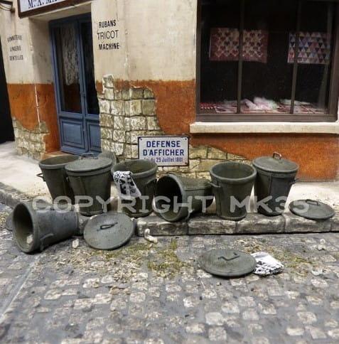 Street dustbins / 1:35