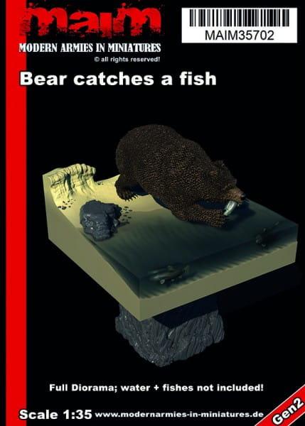 MAiM / Front46 Bear catches a fish + full Diorama Base / 1:35
