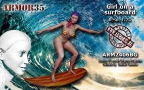 Girl on a Surfboard / 1:24